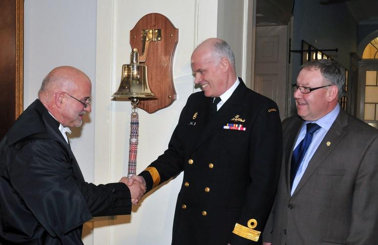 Présentation de la cloche navale